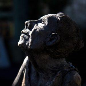 Création céramique, Sculpture d'un visage de femme